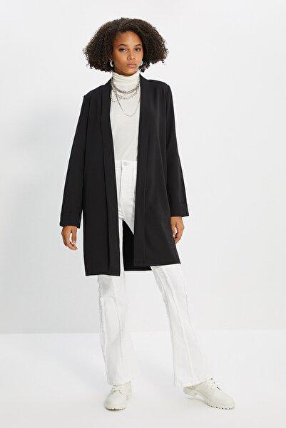 Trendyol Modest Siyah Ceket TCTSS21CE0420