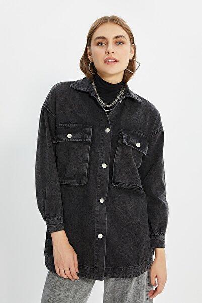 Trendyol Modest Siyah Cep Detaylı Denim Ceket TCTSS21CE0401