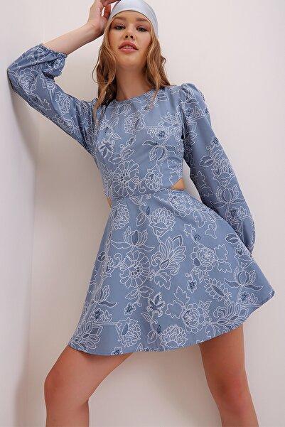 Trend Alaçatı Stili Kadın İndigo Nakış İşlemeli Çiçek Deseni Baskılı Sırt Ve Bel Dekolteli Mini Elbise ALC-X6999