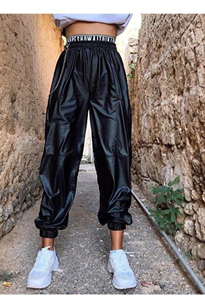 GienaCo Kadın Siyah Zincirli Deri Görünümlü Jogger Pantolon