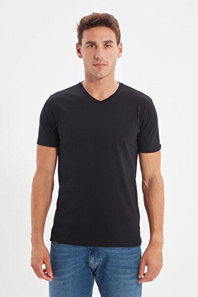 TRENDYOL MAN Siyah Erkek Basic Slim Fit V Yaka Kısa Kollu T-Shirt TMNSS19BO0002