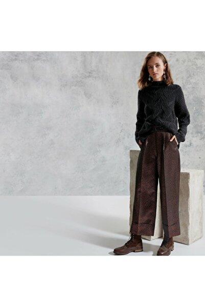 Yargıcı Kadın Bakır Kemerli Pantolon