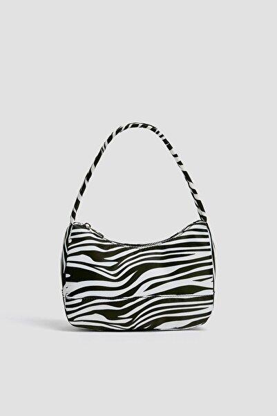Pull & Bear Kadın Zebra Desenli Mini Kol Çantası 14096640