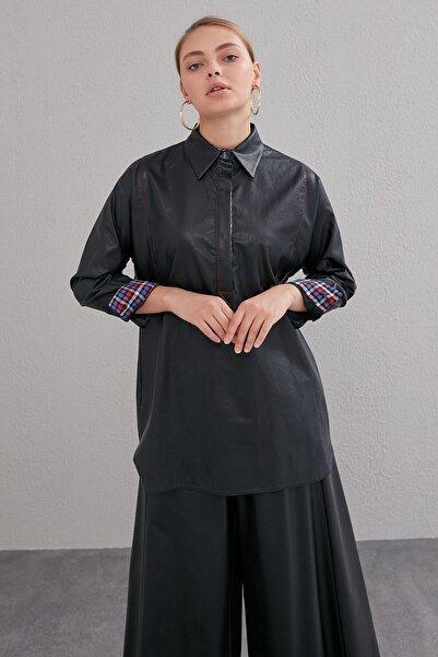Kayra Kadın Siyah Suni Deri Sırtı Çaprazlı Bluz  A20 11007