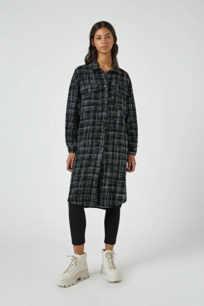 Pull & Bear Kadın Siyah Uzun Kareli İnce Ceket 09470449