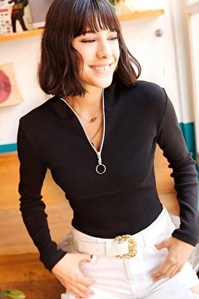 Kadın Siyah Balıkçı Yaka Beyaz Fermuarlı Likralı Bluz BLZ-19001155