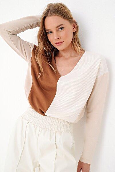 Trend Alaçatı Stili Kadın Camel V Yaka Renk Bloklu Bluz ALC-018-110-NYE