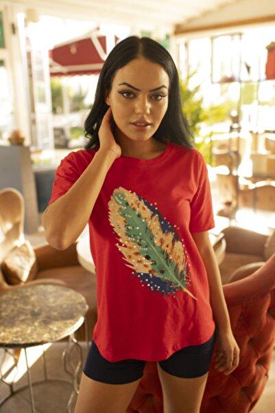 AE Store Kadın Kırmızı Tüy Baskılı Tshirt