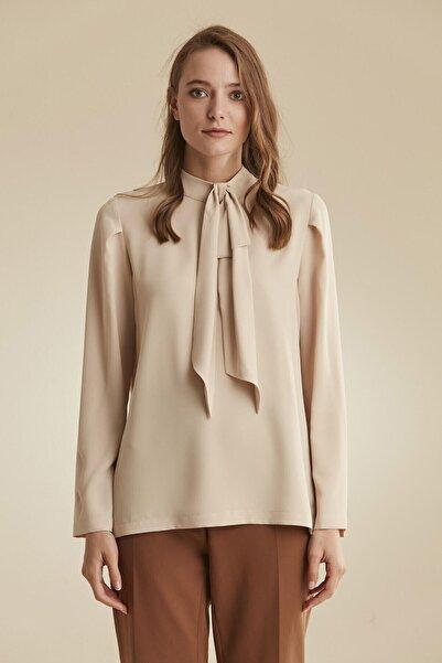 Tuğba Kadın Bej Fularlı Bluz