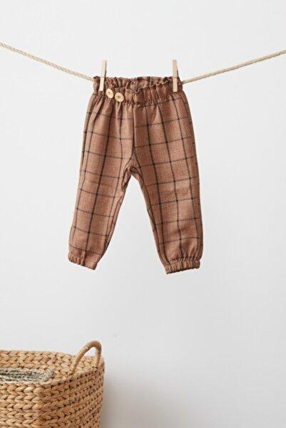 Babyjoko Unisex Bebek Camel Rengi Önden Ahşap Düğme Detaylı Pantolon