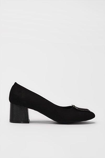 Yaya  by Hotiç Siyah Kadın Klasik Topuklu Ayakkabı 01AYY188110A100