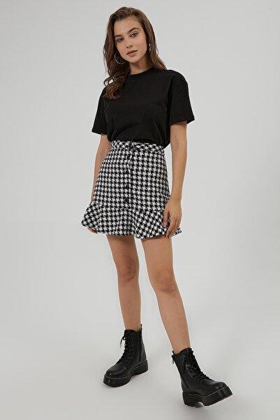 Y-London Kadın Siyah Beyaz Kaz Ayağı Desenli Düğmeli Mini Etek Y20W166-4020