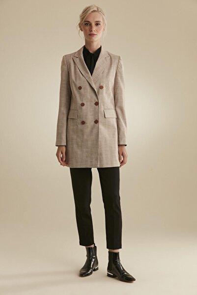 Tuğba Kadın Bej Ekose Ceket