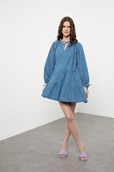 Arma Life Kadın Mavi Yaka Bağcıklı Volanlı Denim Elbise