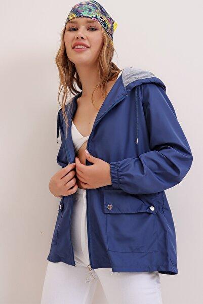Trend Alaçatı Stili Kadın Lacivert Kapüşonlu Su Geçirmez Ceket ALC-X6986