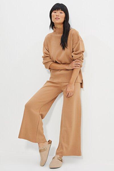 TRENDYOLMİLLA Camel Kazak Pantolon Triko Alt-Üst Takım TWOAW21AU0060