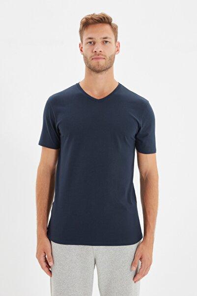 TRENDYOL MAN Lacivert Erkek Basic Slim Fit V Yaka Kısa Kollu T-Shirt TMNSS19BO0002