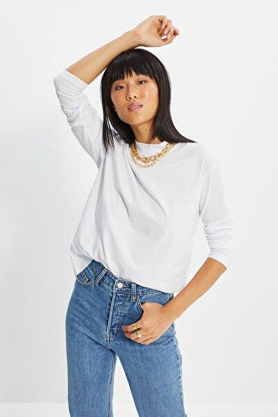 TRENDYOLMİLLA Beyaz Uzun Kollu Dik Yaka Basic Örme T-shirt TWOAW20TS0233