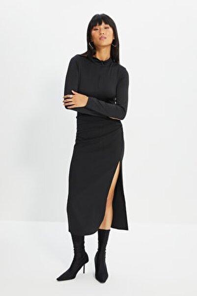 Siyah Fermuarlı Dik Yaka Çıtçıtlı Örme Body TWOAW21BD0070