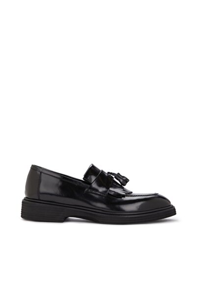 Dıvarese Siyah Püskül Detaylı Erkek Ayakkabı