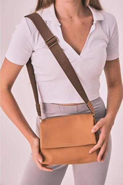 Shule Bags Kadın Saten Kumaş Kapaklı Çapraz Çanta Jozef Taba