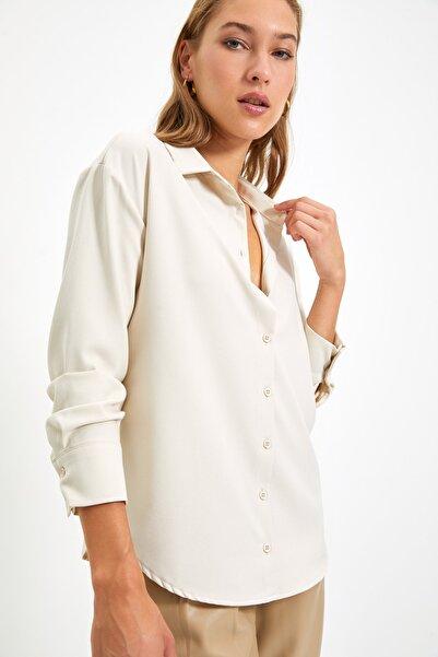 TRENDYOLMİLLA Taş Loose Fit Gömlek TWOAW22GO0476
