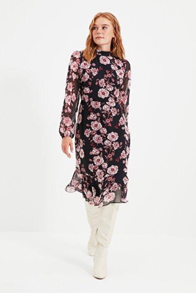 TRENDYOLMİLLA Lacivert Çiçek Desenli Elbise TWOAW20EL1313