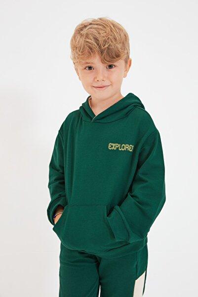 TRENDYOLKIDS Petrol Nakışlı Basic Kapüşonlu Erkek Çocuk Örme İnce Sweatshirt TKDAW22SW0312