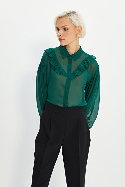 TRENDYOLMİLLA Yeşil Şifon Transparan Fırfır Detaylı Gömlek TWOSS20GO0331