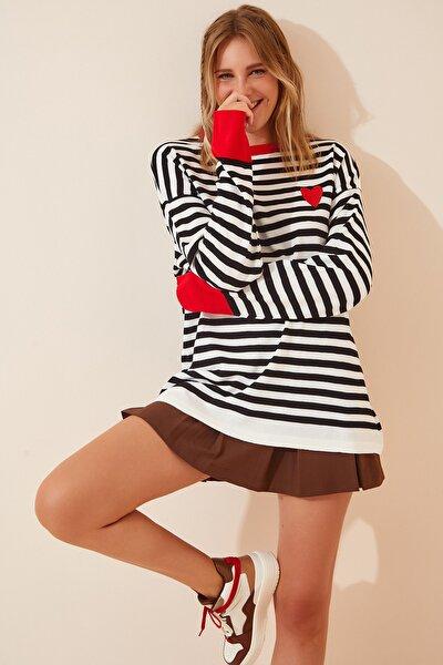 Happiness İst. Kadın Kırmızı Beyaz Nakışlı Çizgili Oversize Triko Kazak MT00045