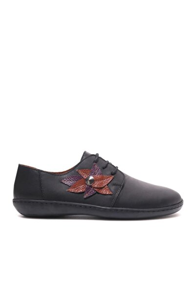 Beta Kadın Hakiki Deri Siyah Günlük Ayakkabı