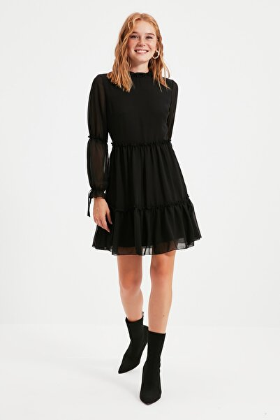 TRENDYOLMİLLA Siyah Büzgülü Elbise TWOAW20EL0345
