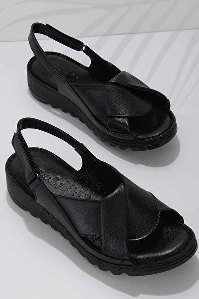 Bambi Siyah Hakiki Deri Kadın Sandalet K05907001803