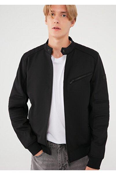 Mavi Fermuarlı Siyah Ceket 010061-900