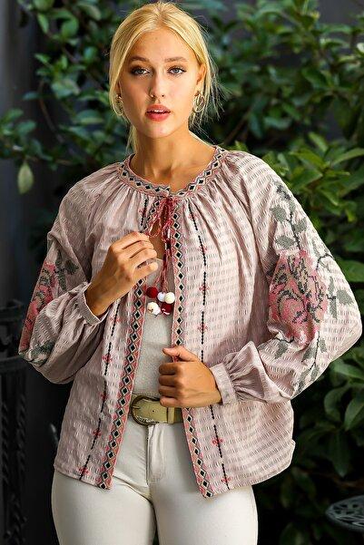Chiccy Kadın Vizon Retro Dev Gül Kanaviçe Kol Nakışlı Ponpon Detaylı Püsküllü Dokuma Ceket M10210100CE98969
