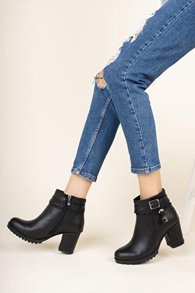 meyra'nın ayakkabıları Siyah Cilt Yanı Tokalı Bot