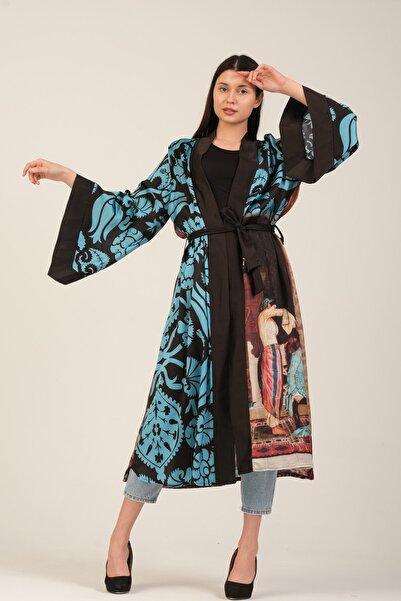 GALERİ TUNÇ Kimono Saçlarını Taratan Kız