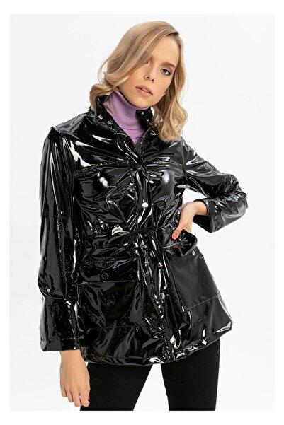 TIFFANY&TOMATO Kolu Katlamalı Önü Çıtçıtlı Cepli Rugan Ceket-siyah