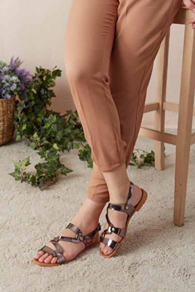 Eka Kadın Platin Çapraz Deri Şeritli Sandalet 0798-0812