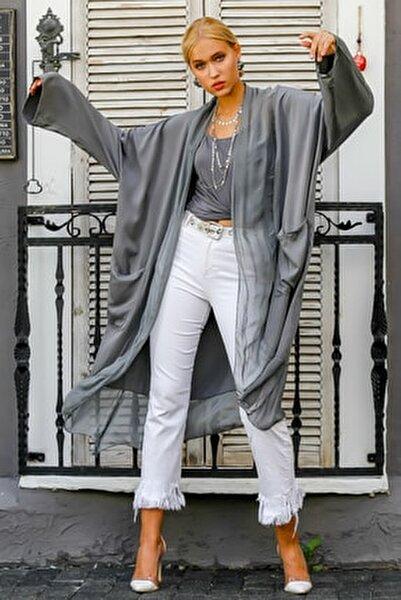 Kadın Gri İtalyan İpek Yaka Etek Ucu Detaylı Cepli Kolları Ayar Düğmeli Uzun Ceket M10210100CE98974