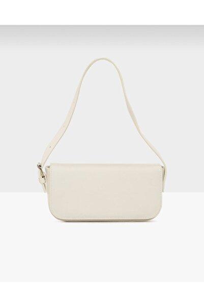 bag&more Kadın Beyaz Kapaklı Baget Çanta