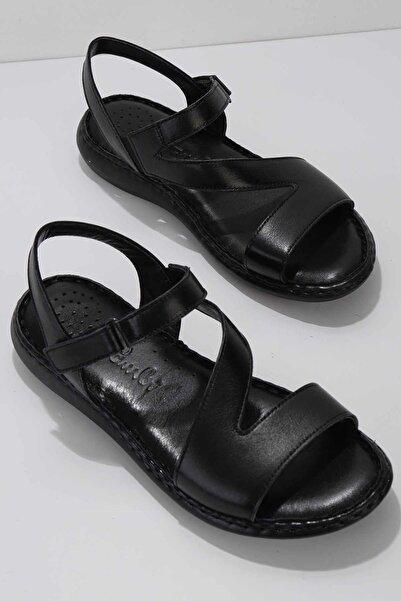 Bambi Siyah Hakiki Deri Kadın Sandalet K05907021603