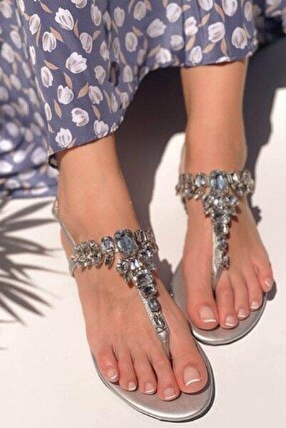 Kadın Gümüş Taşlı Sandalet