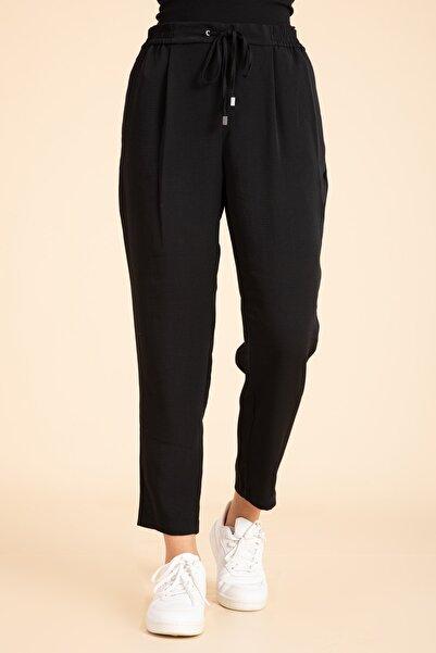 M2K Kadın Siyah Beli Lastikli Havuç Kesim Pantalon