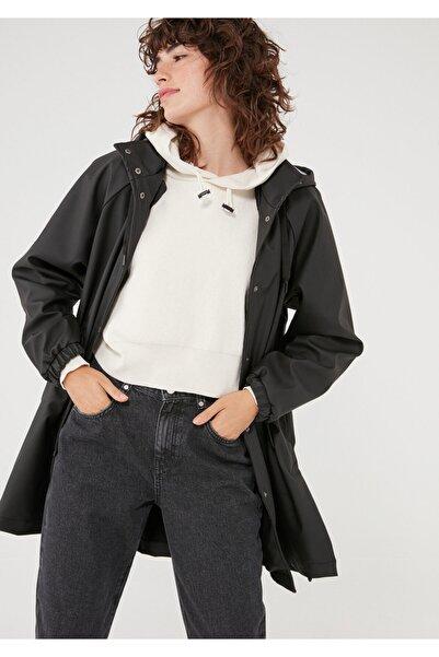 Mavi Kapüşonlu Siyah Ceket 110869-900