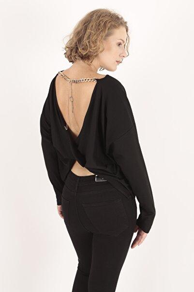 Modagusto Kadın Kayık Yaka Zincir Aksesuarlı Sırt Dekolteli Siyah Bluz