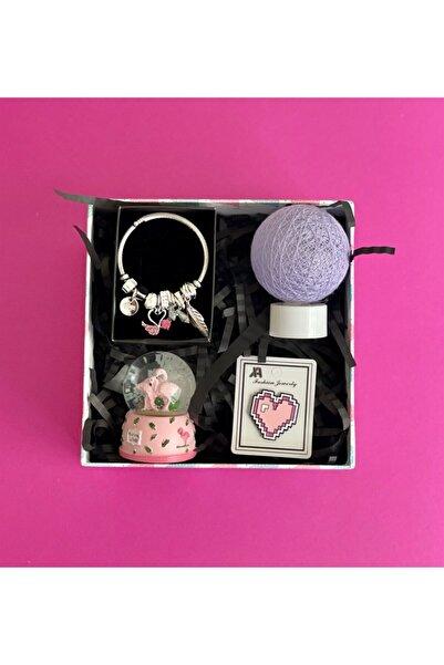 Gift Moda Mini Flamingo Kar Küresi Hasır Lamba Rozet Ve Flamingo  Bileklik Mini Hediye Seti