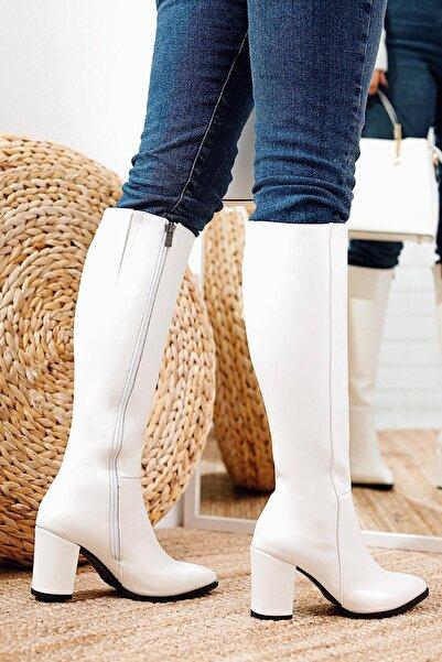 Limoya Kadın Beyaz Sivri Burunlu Tatum Orta Topuklu Çizme