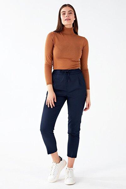 Chima Önü Pilili Bağcıklı Pantolon
