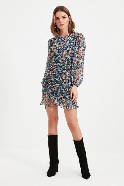 TRENDYOLMİLLA Çok Renkli Petite Etek Detaylı Elbise TWOAW22EL0700
